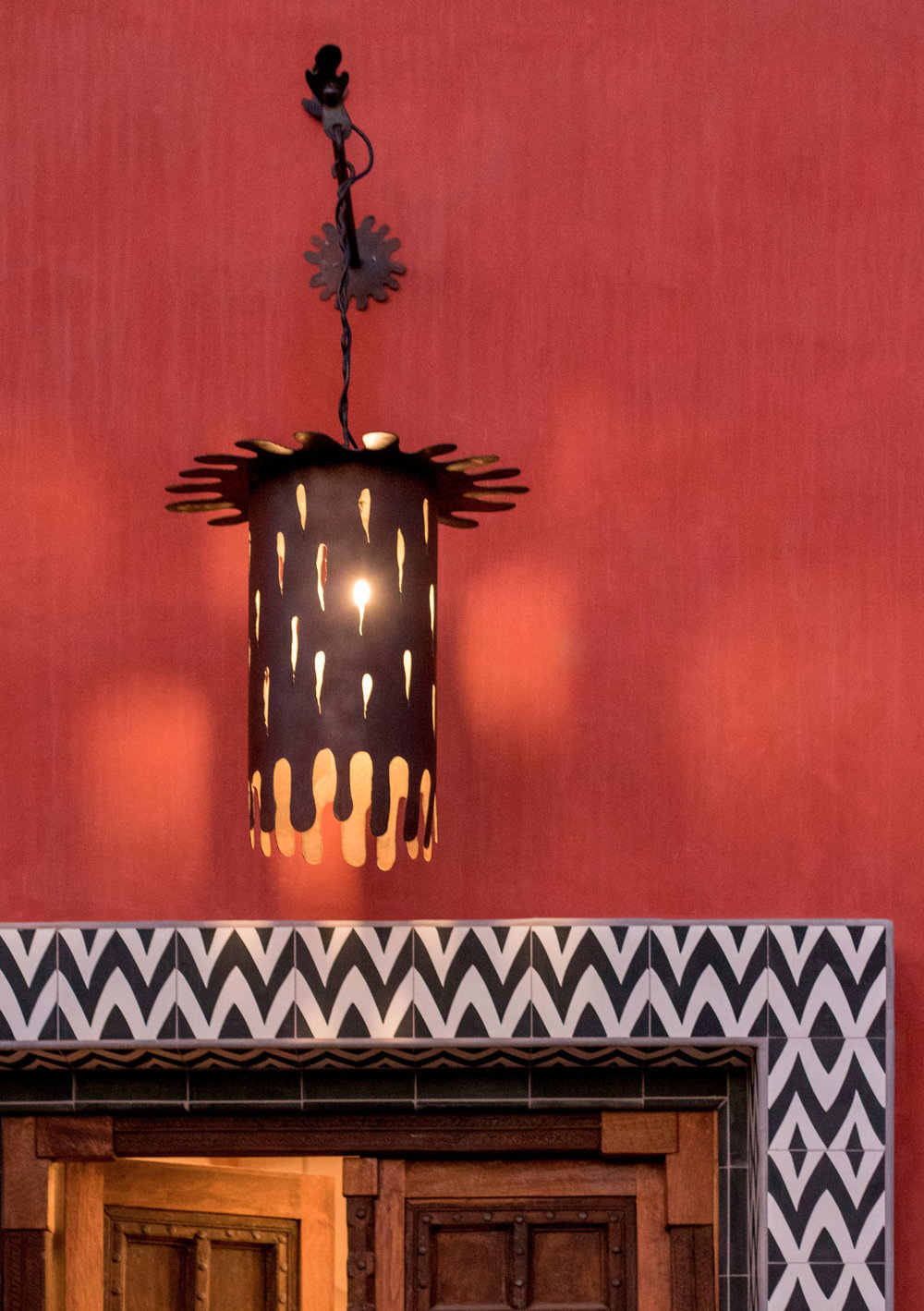 Jeff Shelton designer, Casa Africana. Lantena etnica design esterni
