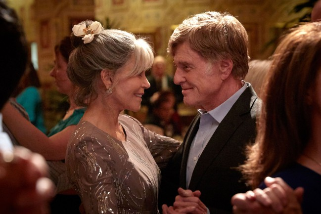 Our Souls At Night (2017), film di Ritesh Batra. Jane Fonda e Robert Redford in una scena del film