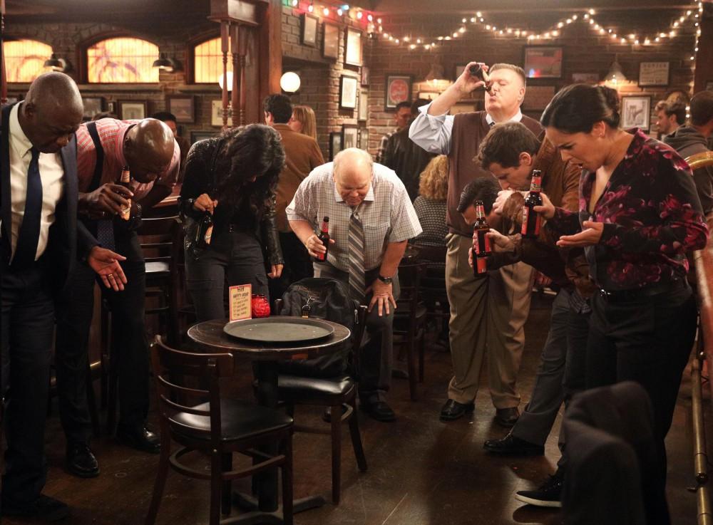 Una scena della serie TV Brooklyn Nine-Nine. Amalia D'Anna ci parla di questa serie TV e del perché dovremmo guardarla. Foto © FOX