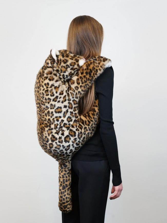 Dolce & Gabbana, zaino peluche in eco pelliccia