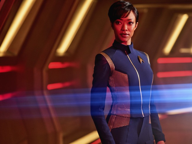 Star Trek: Discovery, serie TV. Sonequa Martin-Green interpreta il primo ufficiale Michael Burnham. Foto: James Dimmock © 2017 CBS Interactive