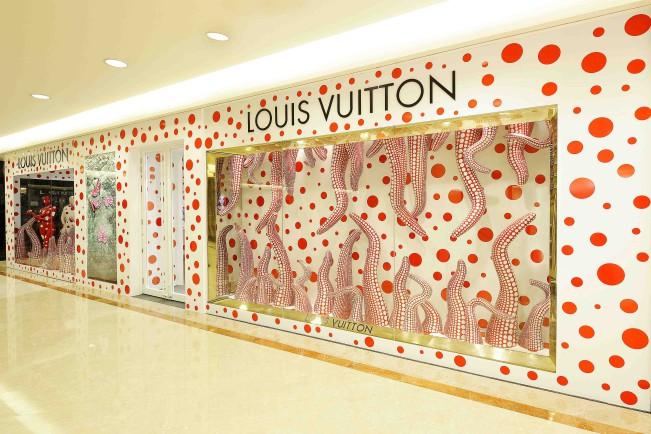 Yayoi Kusama per Louis Vuitton. Concept store, Singapore