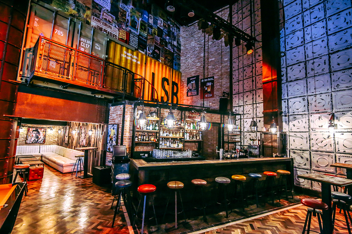 Bar Lock Stock & Barrel (Dubai, United Arab Emirates) Broadway Interiors