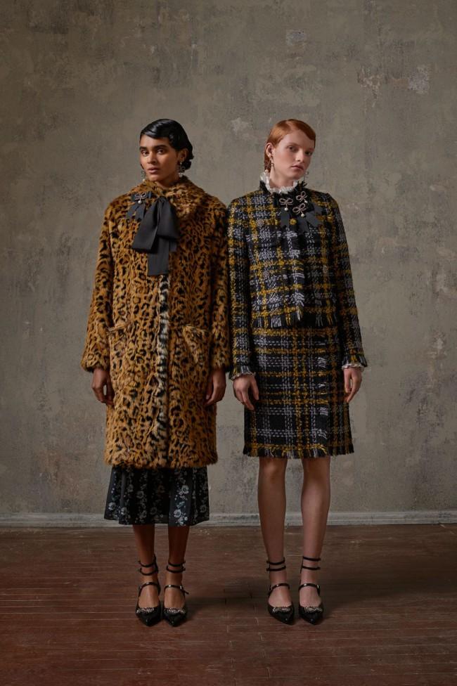 Collezione Erdem X H&M. Cappotto leopardato da donna. Foto di Michal Pudelka
