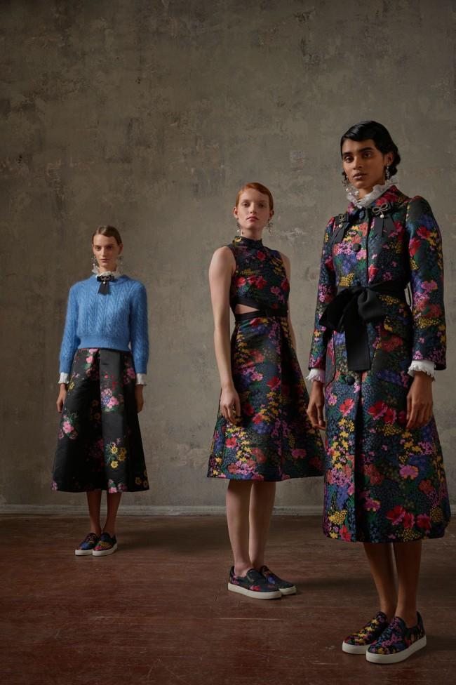 Collezione Erdem X H&M. Jumper fashion da donna. Foto di Michal Pudelka