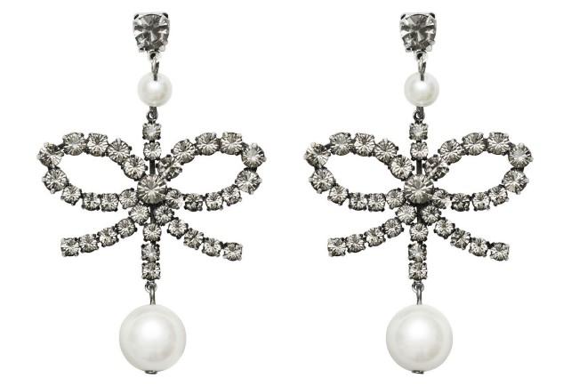 Collezione Erdem X H&M. Orecchini a fiocco con brillanti e perla