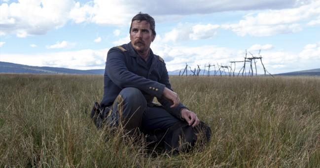 Hostile, film di Scott Cooper. Christian Bale in una scena del film