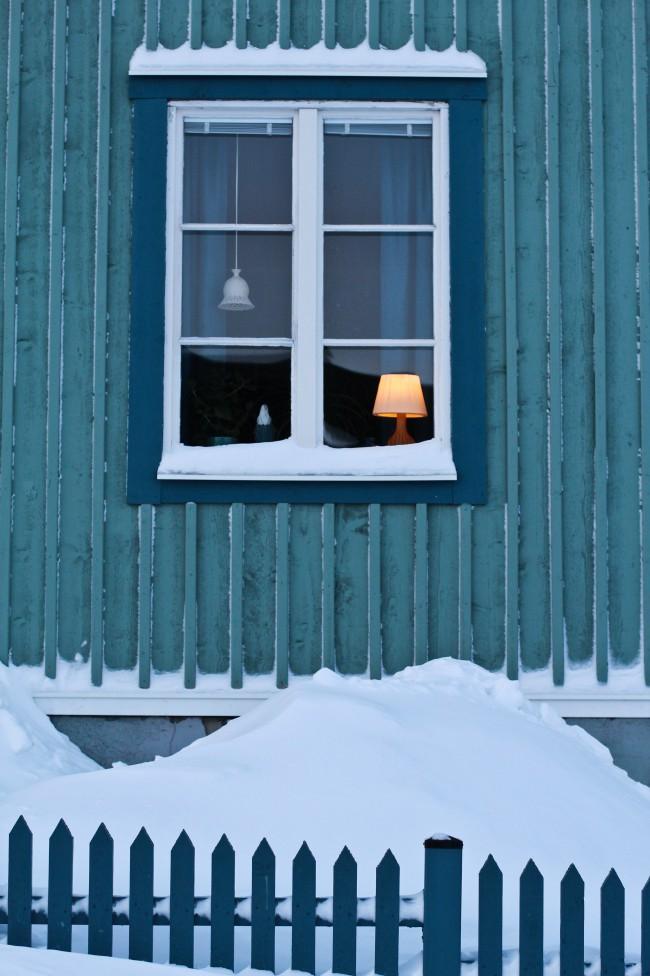 Oguzhan Erim, Kiruna. Finestra di una casa