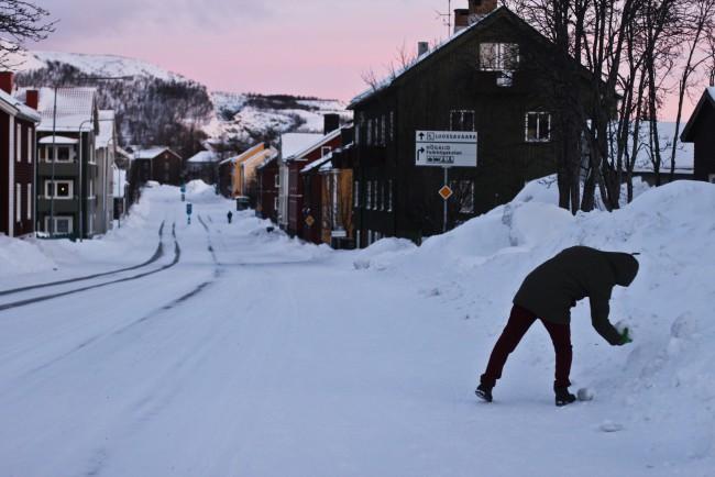 Oguzhan Erim, Kiruna. Strada innevata
