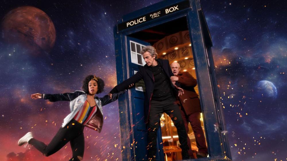 Doctor Who, serie TV. Peter Capaldi e Mackie Bill. TARDIS