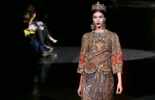 Dolce & Gabbana Fall 2013 Ready-to-Wear