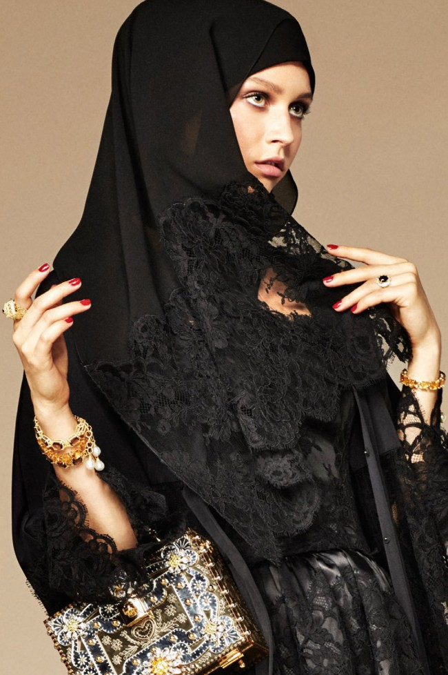 Dolce & Gabbana, Abaya Collection 2016. hijab e occhiali da sole