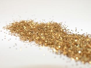 #glitterstretchmarks, gold glitter © Crew & Lu by Uyen Carlson