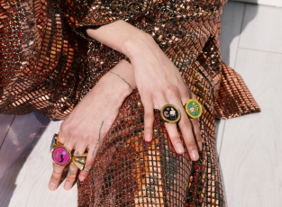 PEECH, anelli. PEECH è un brand di gioielli Made in Italy, ideato e disegnato da Amedeo Piccione. I suoi gioielli hanno dettagli unici e un design elegante.