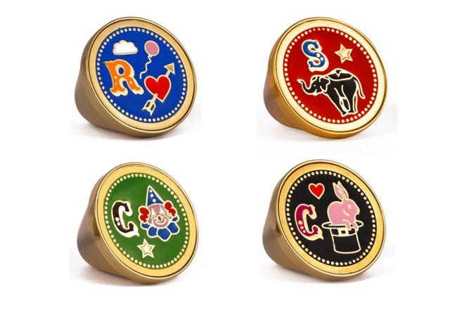 """PEECH, anelli con rebus a tema """"circo"""". PEECH è un brand di gioielli Made in Italy, ideato e disegnato da Amedeo Piccione. I suoi gioielli hanno dettagli unici e un design elegante."""