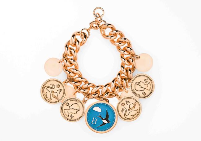 PEECH, bracciale con medaglie. PEECH è un brand di gioielli Made in Italy, ideato e disegnato da Amedeo Piccione. I suoi gioielli hanno dettagli unici e un design elegante.