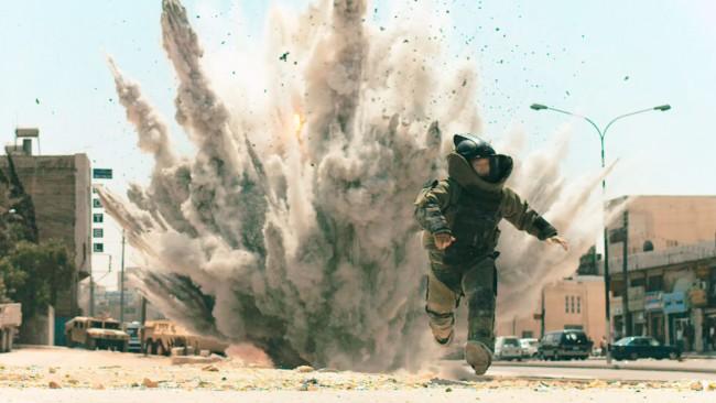 The Hurt Locker, film di Kathleen Bigelow. Hollywood sta consegnando le chiavi a Netflix e Amazon. Ma non serve un budget miliardario per trionfare: nel 2010 The Hurt Locker, con una produzione di soli 15 milioni di dollari, sconfisse Avatar che aveva un budget di 237 milioni.