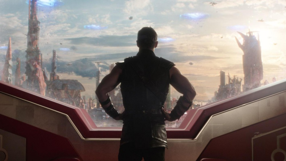 Thor: Ragnarok. Chris Hemsworth nei panni di Thor in una scena del film