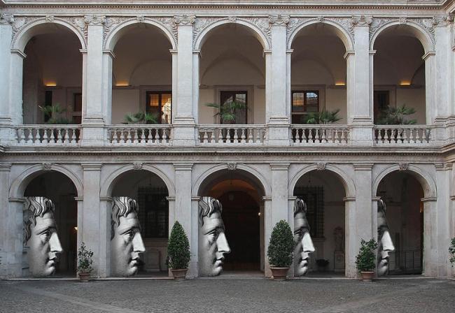 """Sagome """"Profilo Maschile"""" di Fornasetti, Museo Nazionale Romano - Palazzo Altemps"""