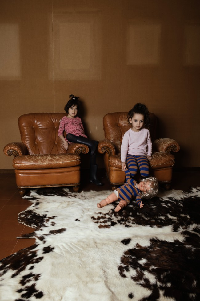 Anna Caruso, fotografia di bambina. Photographer: Annarella Caruso Assistant photo: Basilico Roberto Models: Shiryn (B-talent scout), Nicole (Pepper Kids), Michelle (Pepper kids). Clothing credits: collection A/W 2017/18 of Mini Rodini, Fub, Gosoaky, Yporqué