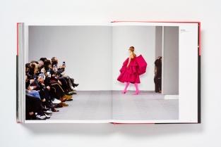 catwalking photographs by chris moore. Ecco i libri di moda usciti in questo 2017. Noi ne abbiamo raccolti dieci e ce n'è davvero per tutti i gusti...