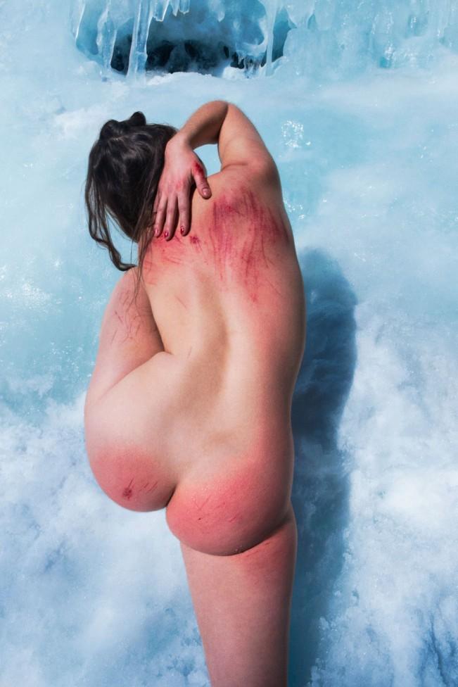 """Ryan McGinley, """"Fall and the Winter"""" serie, 2015. Nel lavoro del fotografo americano Ryan McGinley troviamo tutto. Sentimenti e pulsioni che talvolta tendiamo a nascondere, ritratti in modo perfetto."""