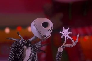 """Nightmare Before Christmas, film d'animazione di Tim Burton. Jack Skeletron. I film natalizi rendono speciale il periodo delle feste. Da Il Grich a Mamma, ho perso l'aereo, vediamo quali sono """"i film di Natale"""" per eccellenza."""