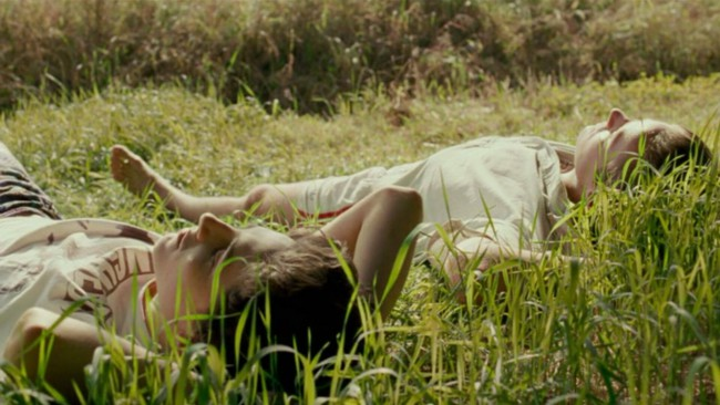 Call Me by Your Name, film di Luca Guadagnino. Timothée Chalamet (Elio) e Armie Hammer (Oliver) in una scena del film