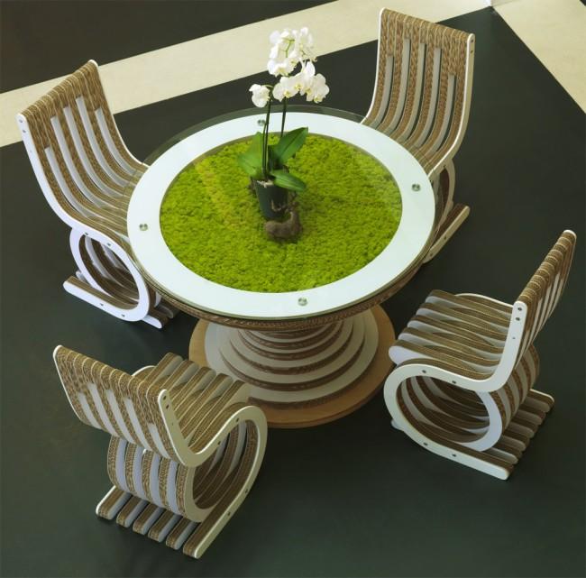 Tavolo Clessidra in cartone e vetro e sedie in cartone e legno by Giorgio Caporaso, 2013. Collezione Ecodesign, LessMore. Design ecosostenibile