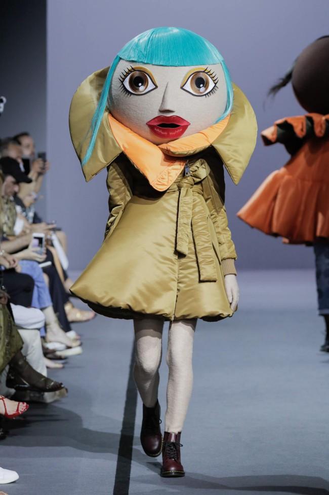 Viktor & Rolf Haute Couture show Paris Fall Winter 2017, Action Dolls