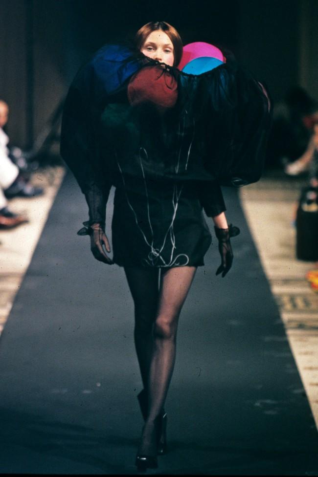 Viktor & Rolf Haute Couture Fall Winter 1998-1999, Atomic Bomb