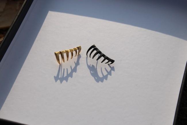 YOSTER by Hila Amar - Sculptural Jewelry. Orecchini climbing in argento realizzati in stampa 3D