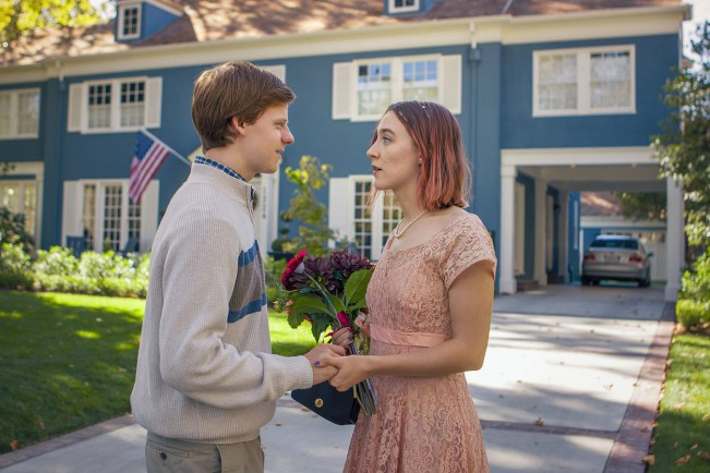 Lucas Hedges e Saoirse Ronan in Lady Bird, film candidato ai Premi Oscar come Miglior film