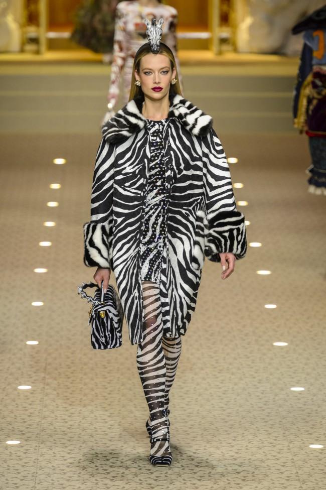 Dolce & Gabbana Autunno Inverno 18-19. Tendenze moda donna: l'animalier in passerella alla Milano Fashion Week