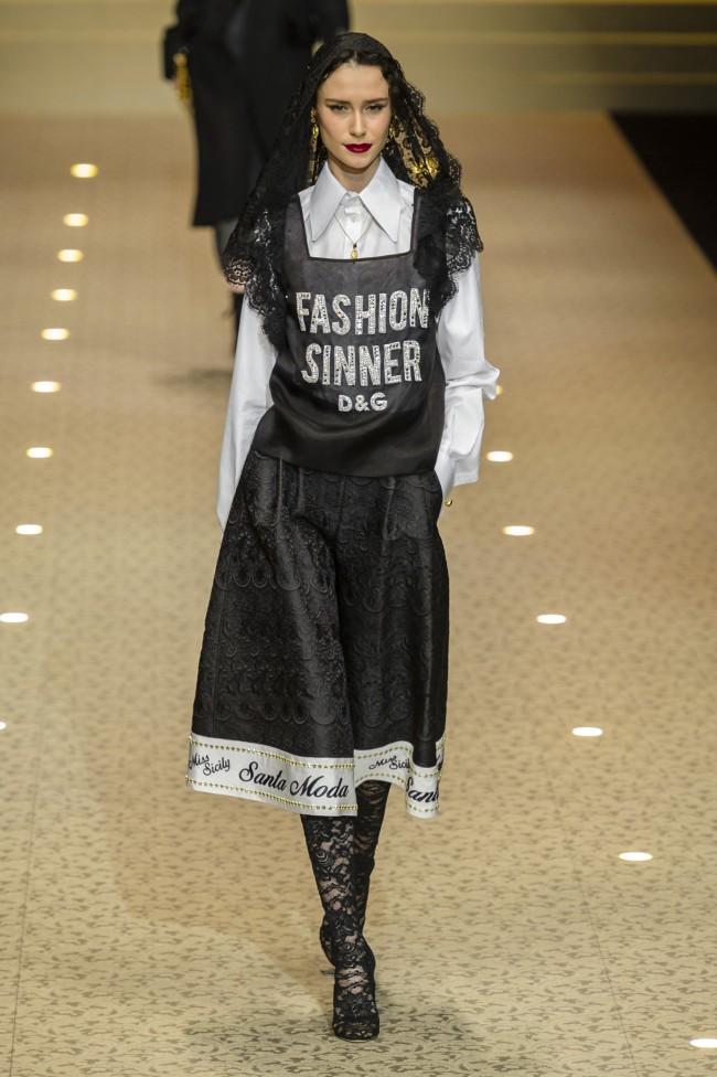 """Dolce & Gabbana Autunno Inverno 18-19 Milano Fashion Week, tendenze moda donna """"FASHION SINNER"""""""