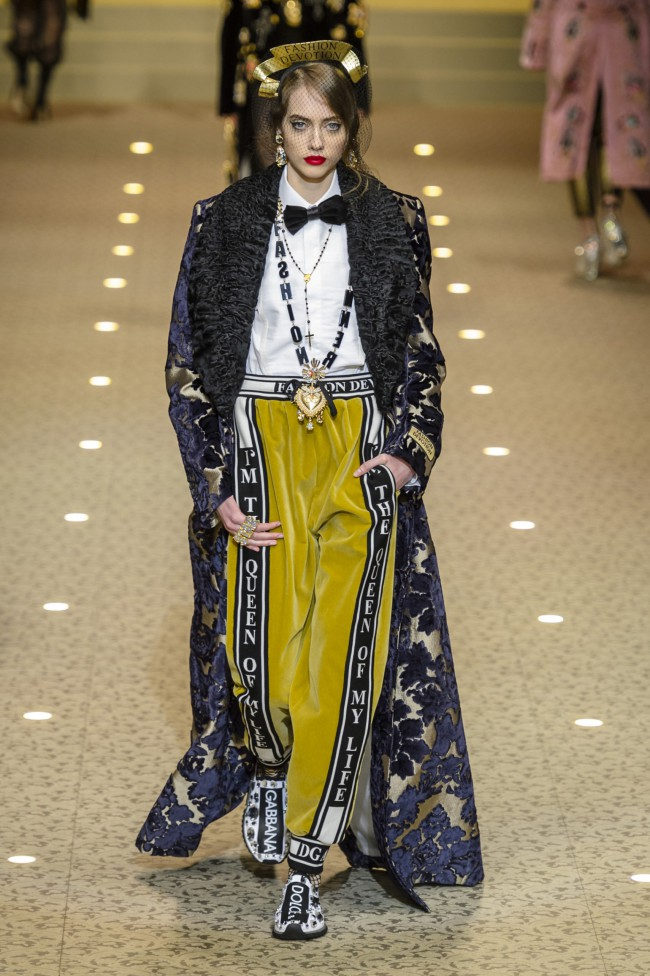 "Dolce & Gabbana Autunno Inverno 18-19 Milano Fashion Week, tendenze moda donna ""I'm the queen of my life"""