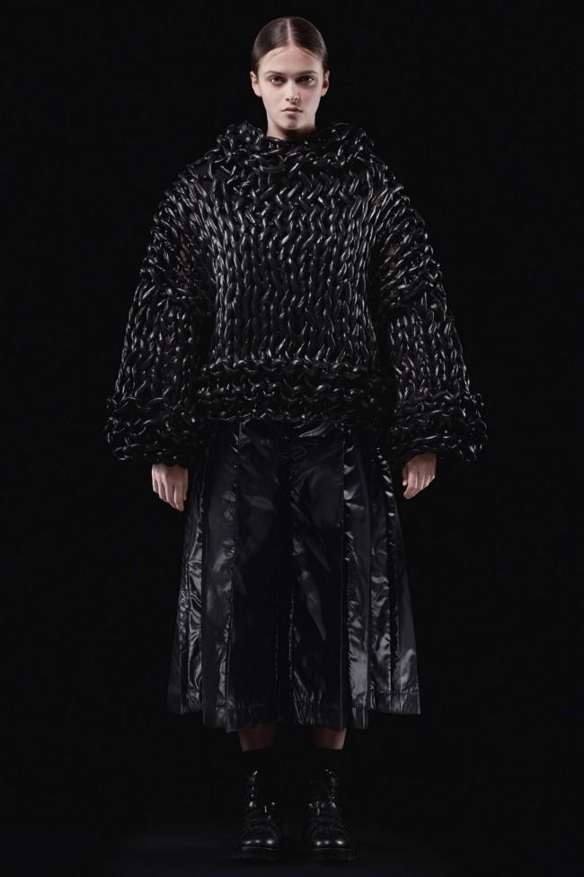 "Moncler Autunno Inverno 18-19 Milano Fashion Week by Noir Kei Ninomiya, tendenze moda donna: il piumino. Progetto ""Genius"""
