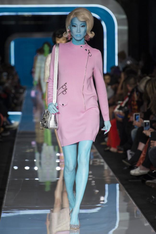 Moschino Autunno Inverno 18-19 Milano Fashion Week, tendenze moda donna