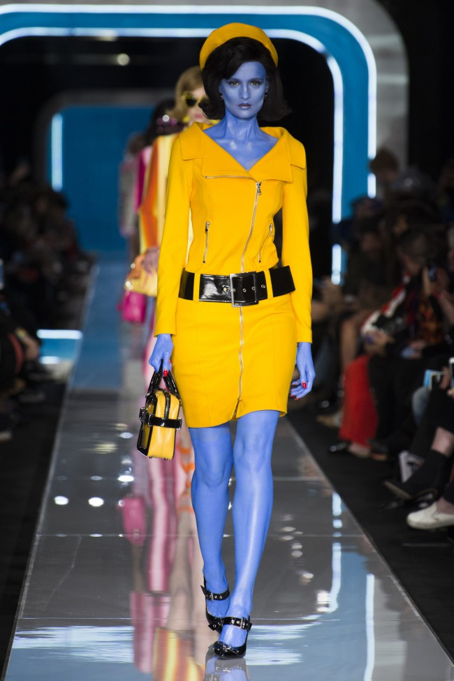 Moschino Autunno Inverno 18-19 Milano Fashion Week, tendenze moda donna