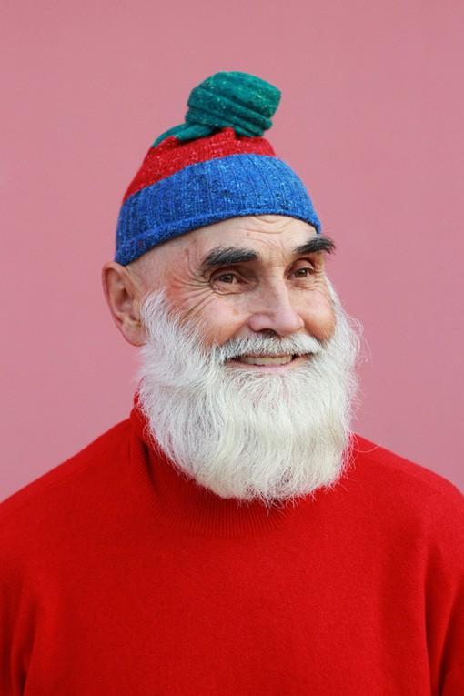 Oldushka è un'agenzia russa che seleziona solo modelli e modelle over 45 e promuove il fascino di volti segnati dal tempo. Victor, modello di 74 anni. Foto: Igor Gavar