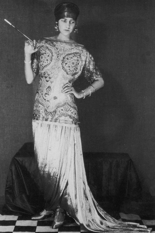 Peggy Guggenheim, dress by Paul Poiret. Photo: Man Ray, 1923