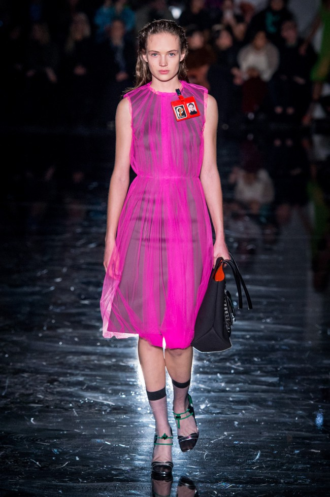 Prada Autunno Inverno 18-19 Milano Fashion Week, tendenze moda donna. Foto: imaxtree