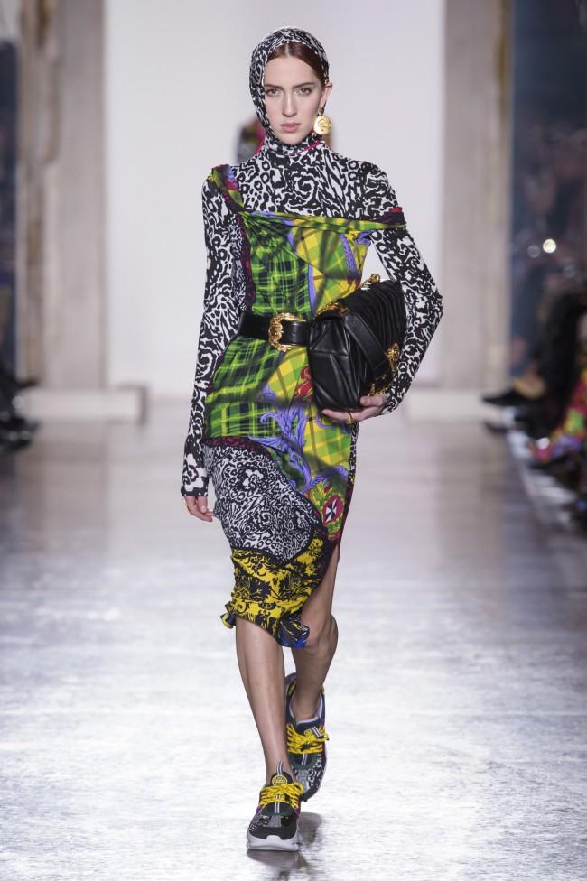 Versace Autunno Inverno 18-19 Milano Fashion Week, tendenze moda donna: l'animalier. Foto: imaxtree