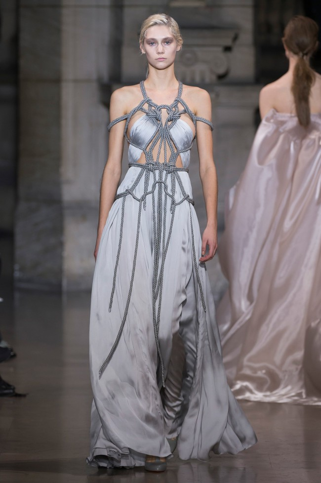 Yiqing Yin Couture Spring 2016
