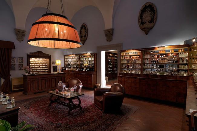 Aquaflor di Sileno Cheloni apre le porte del palazzo rinascimentale Antinori Corsini Serristori di Firenze per ApritiModa