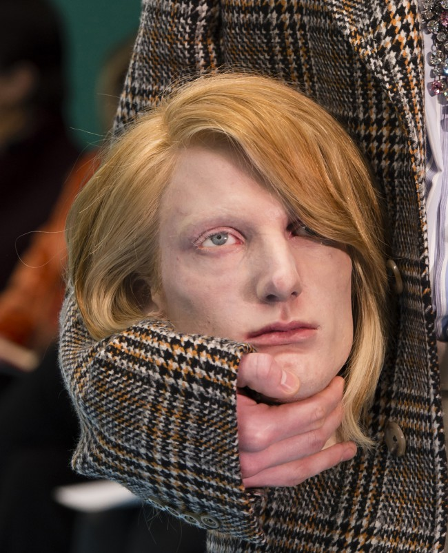 Gucci Fall Winter 2018 Allessandro Michele alla Milan Fashion Week. Testa decapitata #Guccichallenge