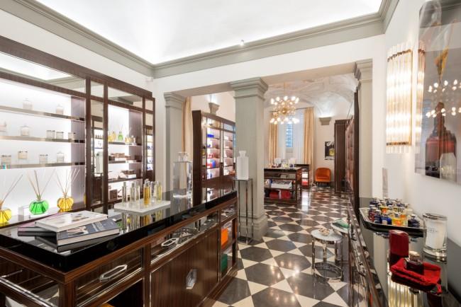 Lorenzo Villoresi apre le porte della sua boutique in via de' Bardi, 12 a Firenze per ApritiModa