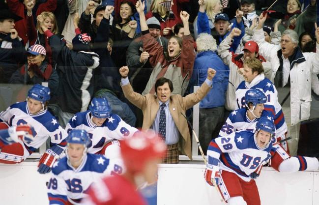 Miracle, film biografico sull'impresa della nazionale statunitense di hockey sul ghiaccio ai mondiali di Lake Luise nel 1980. Film sugli sport invernali al cinema