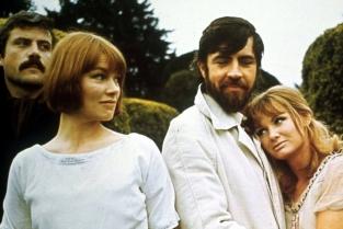 Glenda Jackson nel film Donne in amore. In Inghilterra è stata Glenda Jackson a passare dal cinema alla politica. Quando il passo dal cinema alla politica è breve.
