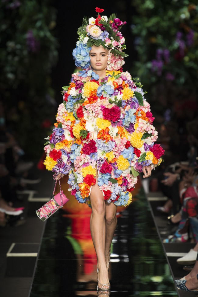 Moschino Spring Summer 2018 flowers mania tendenze estate 2018